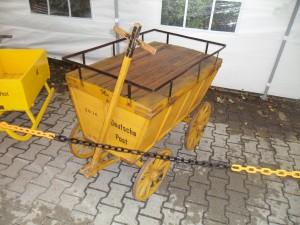 Historischer Postwagen