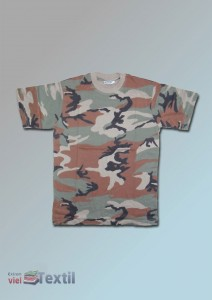 T-Shirt in Farbe woodland