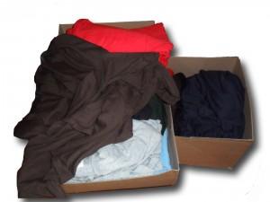 Kisten mit T-Shirts